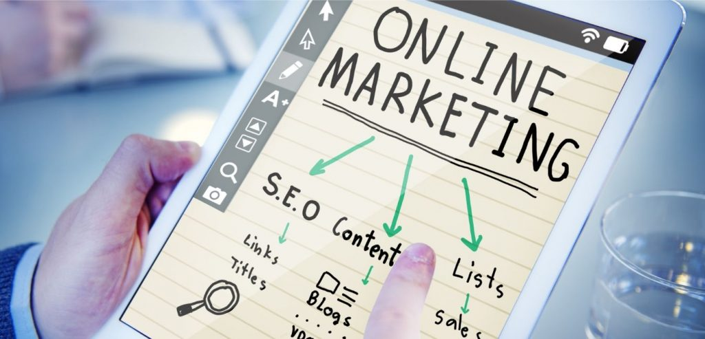 pantalla con diferentes herramientas de marketing digital para empresas y emprendedores