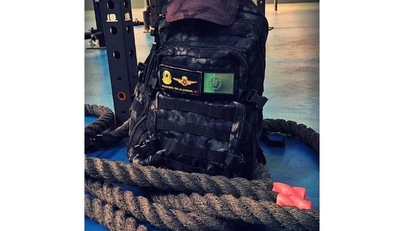 cuerda de batalla con mochila